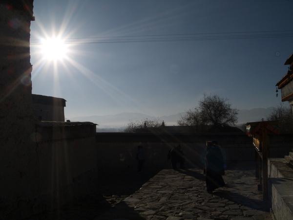 扎什倫布寺的轉經道上