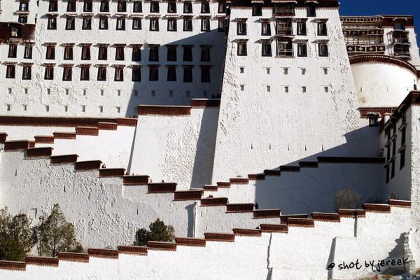 布達拉宮之字型階梯