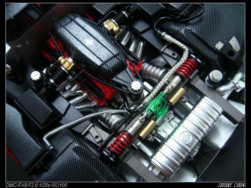 將前兩種自製的管線,加到引擎室內...裝上後一整個感動呀~