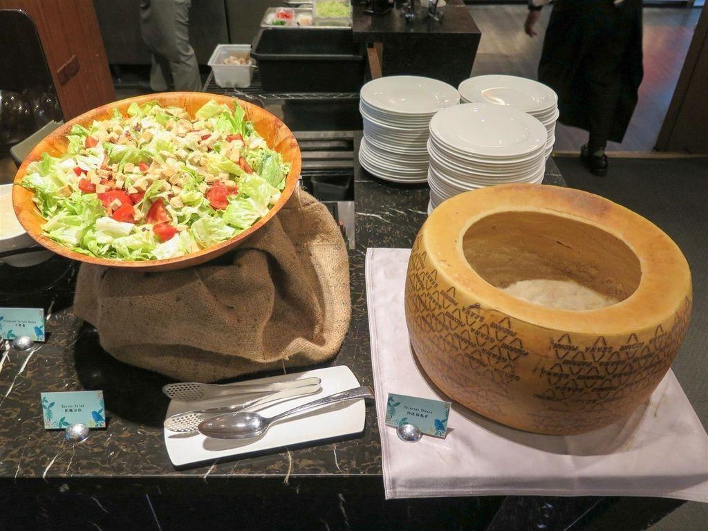 Fw: [食記][台北市] 美麗信花園酒店 雨林餐廳