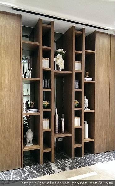 內湖公設閱覽室-書櫃2