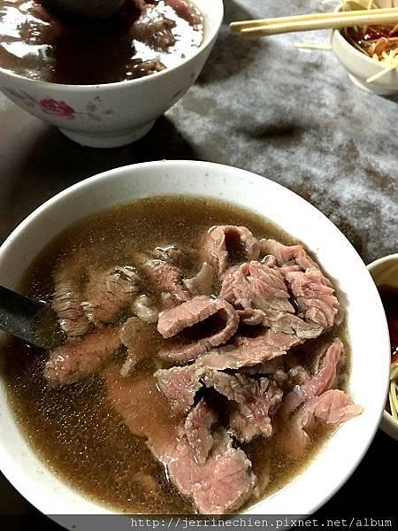 20160103台南六千牛肉湯 (10).JPG