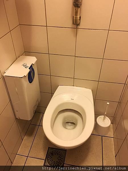 20160212-1法國有趣廁所 (1).JPG