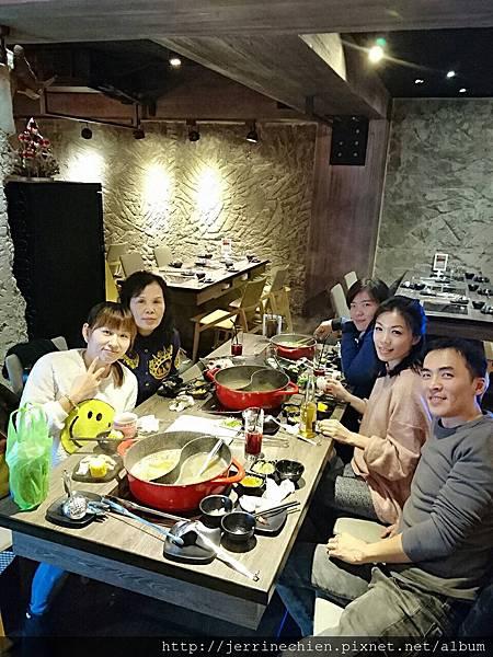 20170108慕吃吃鍋跟家人 (4).JPG