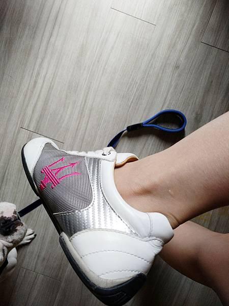 瑪莎拉蒂訂製鞋 (3).jpg