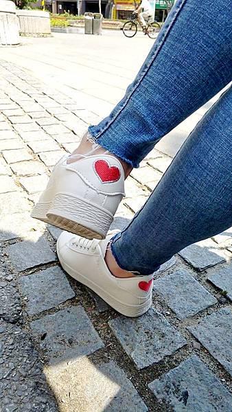 愛心鞋小髒鞋 (1).jpg