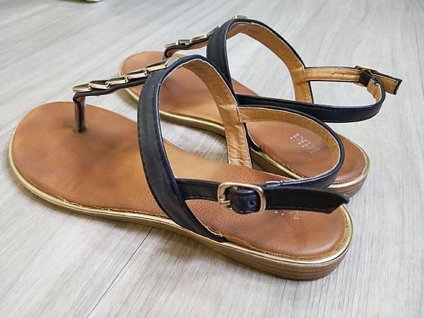 軟墊好走涼鞋 (4).jpg