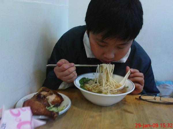 弟弟吃的是jay餐