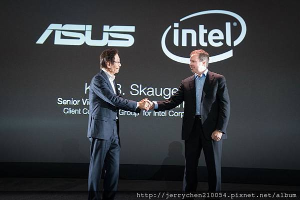 Chairman Jonney Shih and  Kirk Skaugen Intel Senior Vice President spoke about the partnership between the two companies.jpg