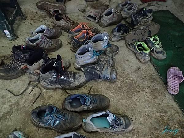 髒鞋.JPG
