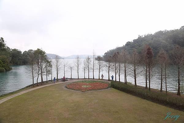 向山遊客中心2.JPG