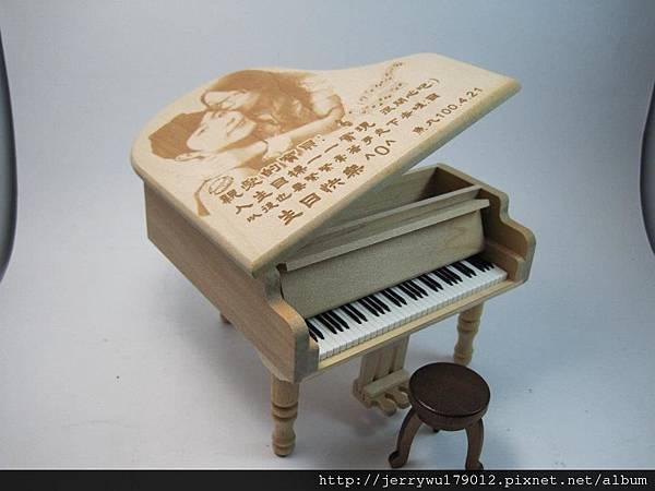 音樂盒影像雷射雕刻