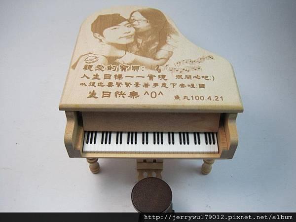 首首動聽的客製影像雕刻音樂盒