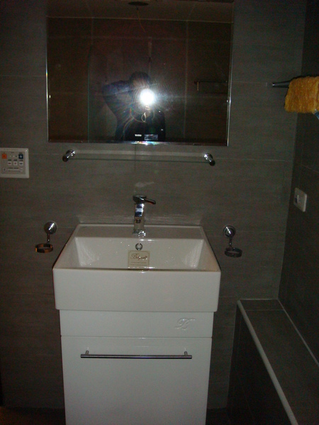 浴櫃3.JPG