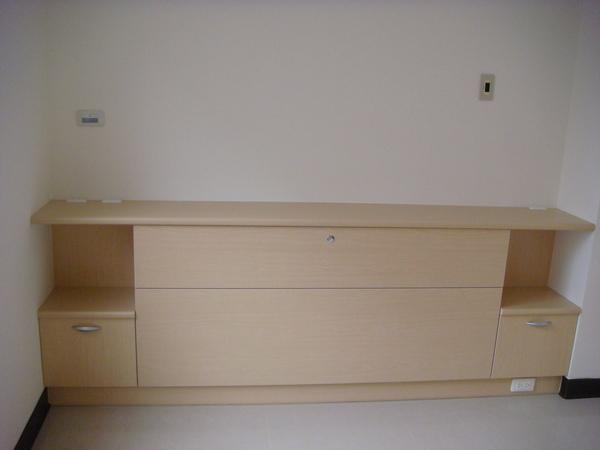 床頭櫃.JPG