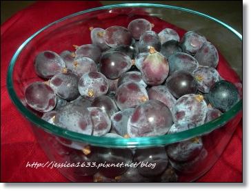 葡萄在碗裡.jpg