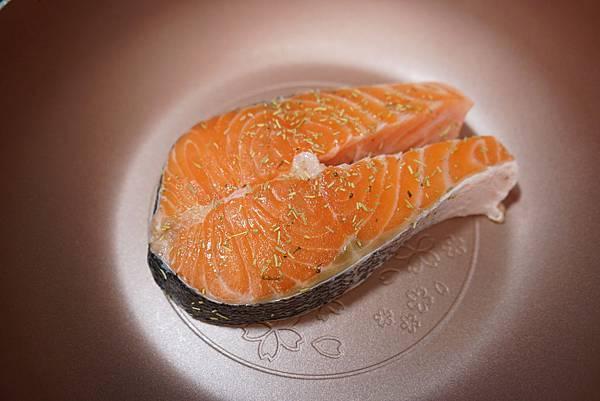 20160328_開箱-櫻花鍋-蘋果鬆餅-香菇牛肉丸-香煎鮭魚 264-a.JPG
