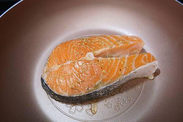 20160328_開箱-櫻花鍋-蘋果鬆餅-香菇牛肉丸-香煎鮭魚 269-a.JPG