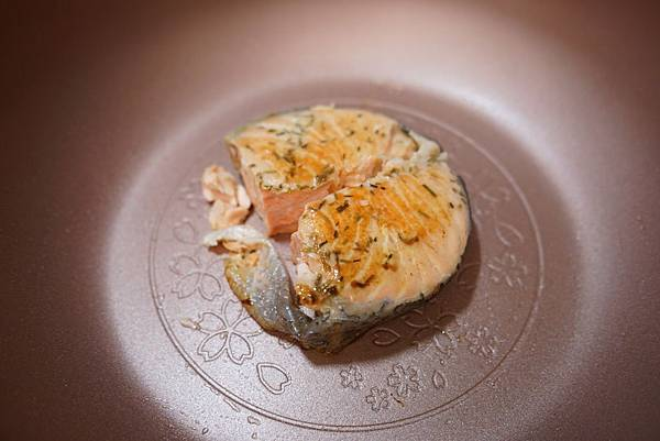 20160329_開箱-櫻花鍋-南瓜雞肉燉飯-全麥地瓜煎餅-鮭魚炒飯-地瓜磨牙餅 147-a.JPG
