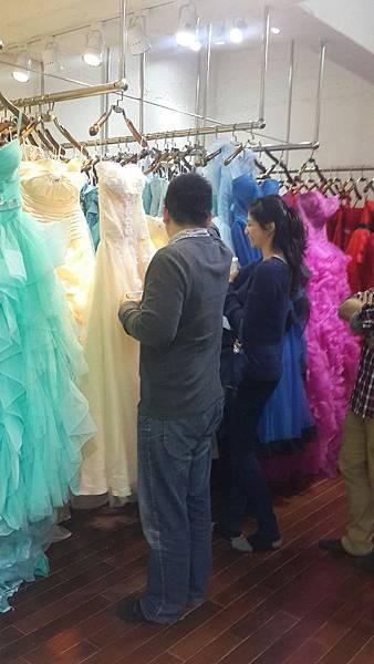 台北租禮服-婚紗租借尋尋覓覓手工晚禮服