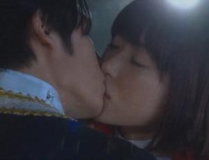 42.FRIST KISS.jpg