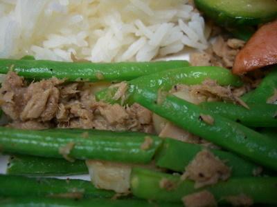 鮪魚炒青豆