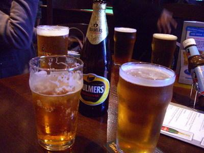 晚上當然要在pub來一杯~