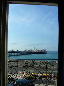 早晨的房間窗外~是海景房呢~~呵呵