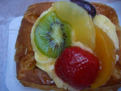 甜點當早餐~有奢侈!哈~