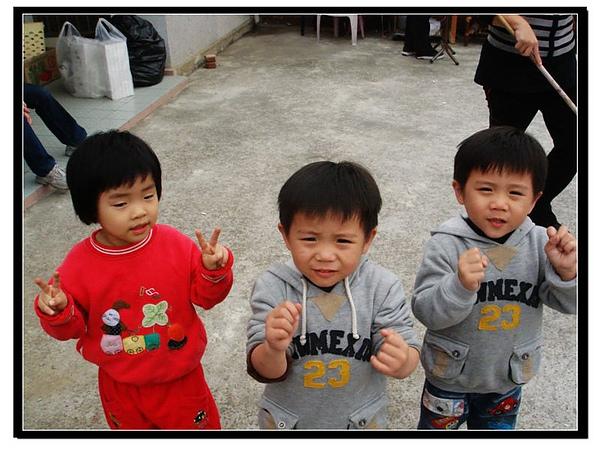 這些孩子們幾乎都同樣歲數