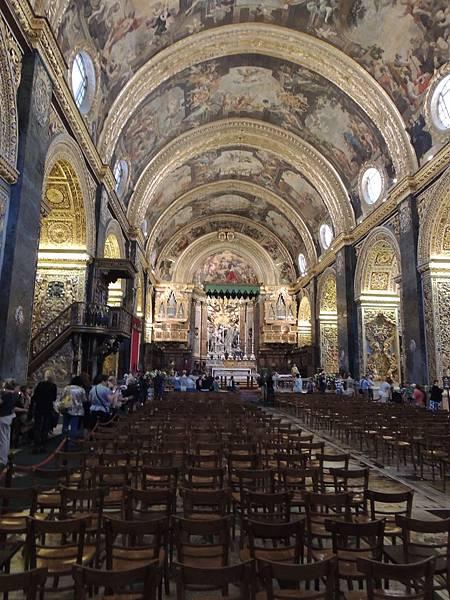 大教堂內部