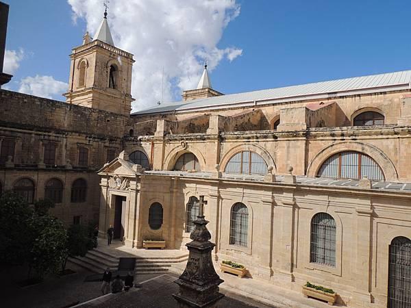 大教堂內庭