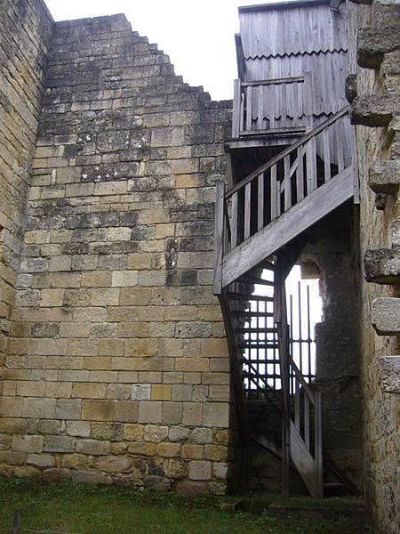 Castelnaud 27 escaliers