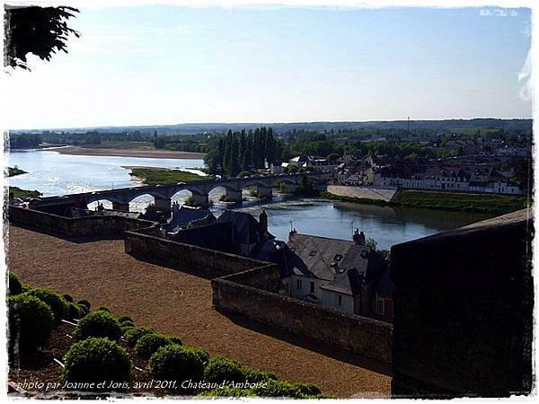 32 le pont et la riviere