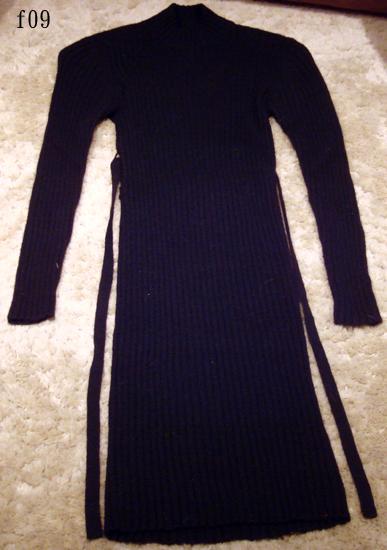 編號:179  合身的黑色純羊毛洋裝 好身材展露無疑性感加分