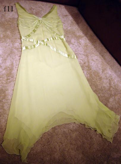 編號:181 上過綜藝大哥大 適合春夏的絲質洋裝 可修飾身型