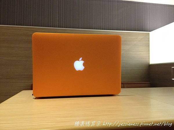 mac001_001.jpg
