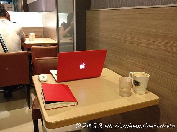 mac010_001.jpg