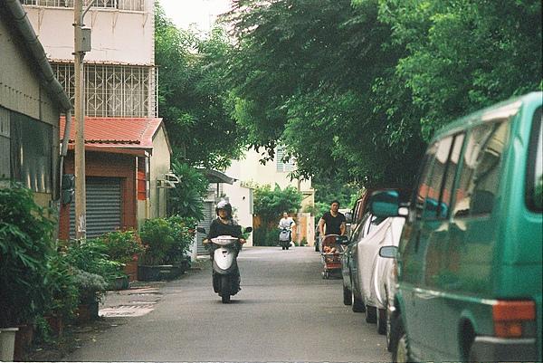 這是離台南家最近 覺得滿愜意的一條巷子