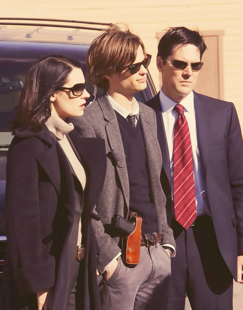 Thomas Gibson with Matthew Gray Gubler and Paget Brewster