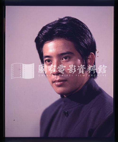 1975年《吾土吾民》,秦漢飾李月亭。