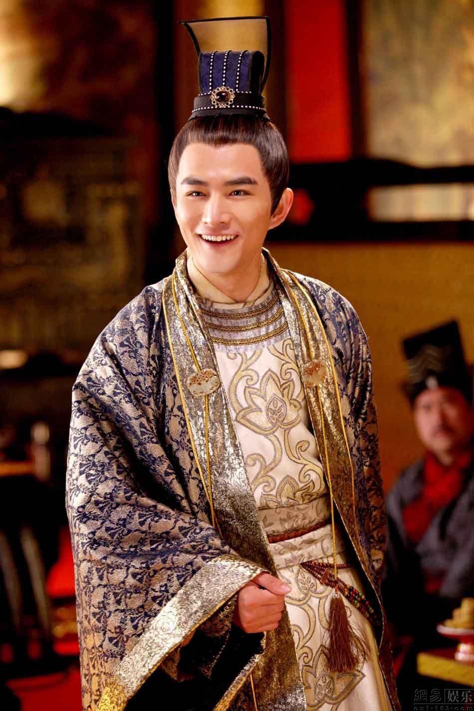 張曉晨 飾 審知王子
