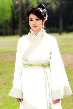 孫菲菲飾演青寧