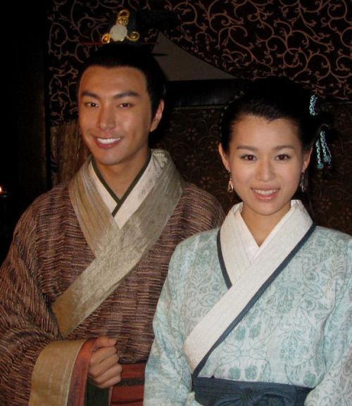 呂魚(胡杏兒)和呂祿(杜俊澤)