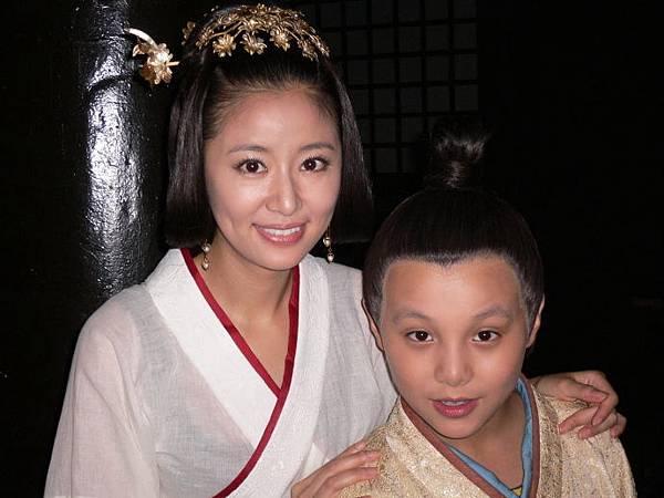 竇漪房(林心如)和小劉啟