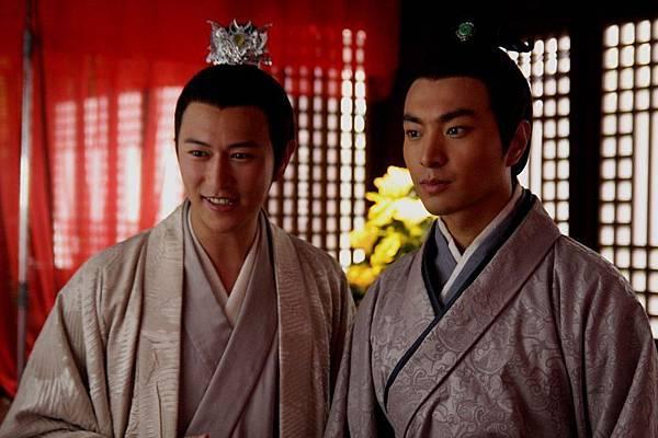 劉恆(陳鍵鋒)和呂祿(杜俊澤)