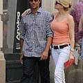 michael-vartan-lauren-skaar-kissing-06.jpg