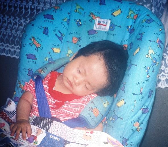 汶睡姿- 九個月