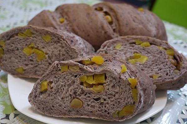 紫米蜜地瓜麵包