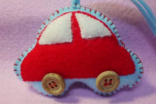小汽車吊飾.jpg